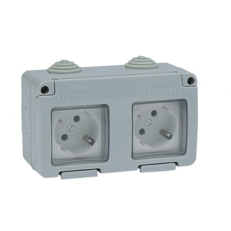 BASE ENCHUFE LATERAL ESTA IP55 FAMATEL 16 AMP
